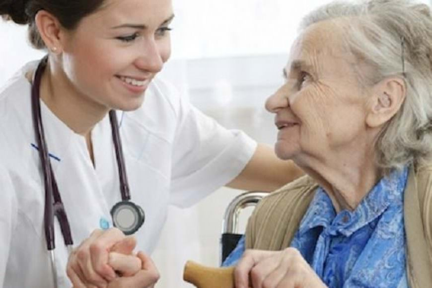 Các biện pháp nhằm hạn chế phản ứng bất lợi khi dùng thuốc ở người già