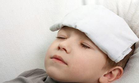 điều trị sốt ở trẻ em