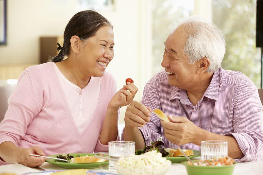 Những thay đổi sinh lý và biến đổi do bệnh lý ở người cao tuổi liên quan đến sử dụng thuốc