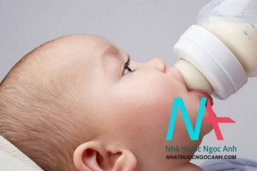 Lượng sữa và lịch trình khi cho bé dùng sữa công thức