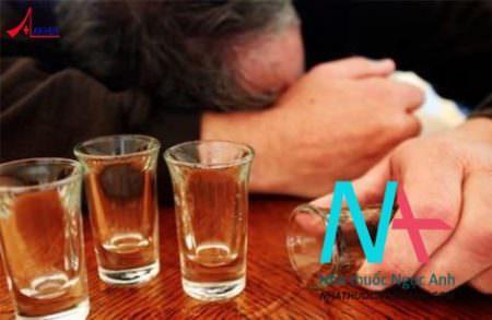 phản ứng của thuốc với rượu