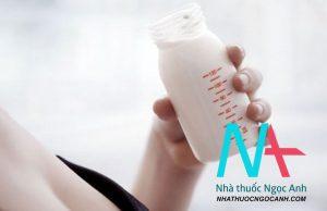 lượng sữa mẹ tiết ra mỗi ngày