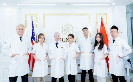 (Hình ảnh đội ngũ y bác sĩ giàu kinh nghiệm tại Sunny)