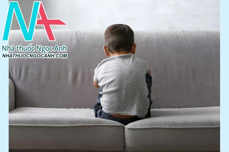 Biểu hiện của trẻ mắc bệnh tự kỷ là gì?