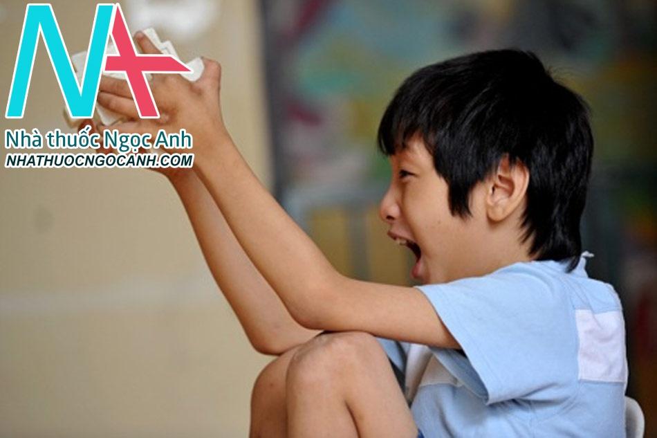 Chẩn đoán trẻ mắc bệnh tự kỷ như thế nào?